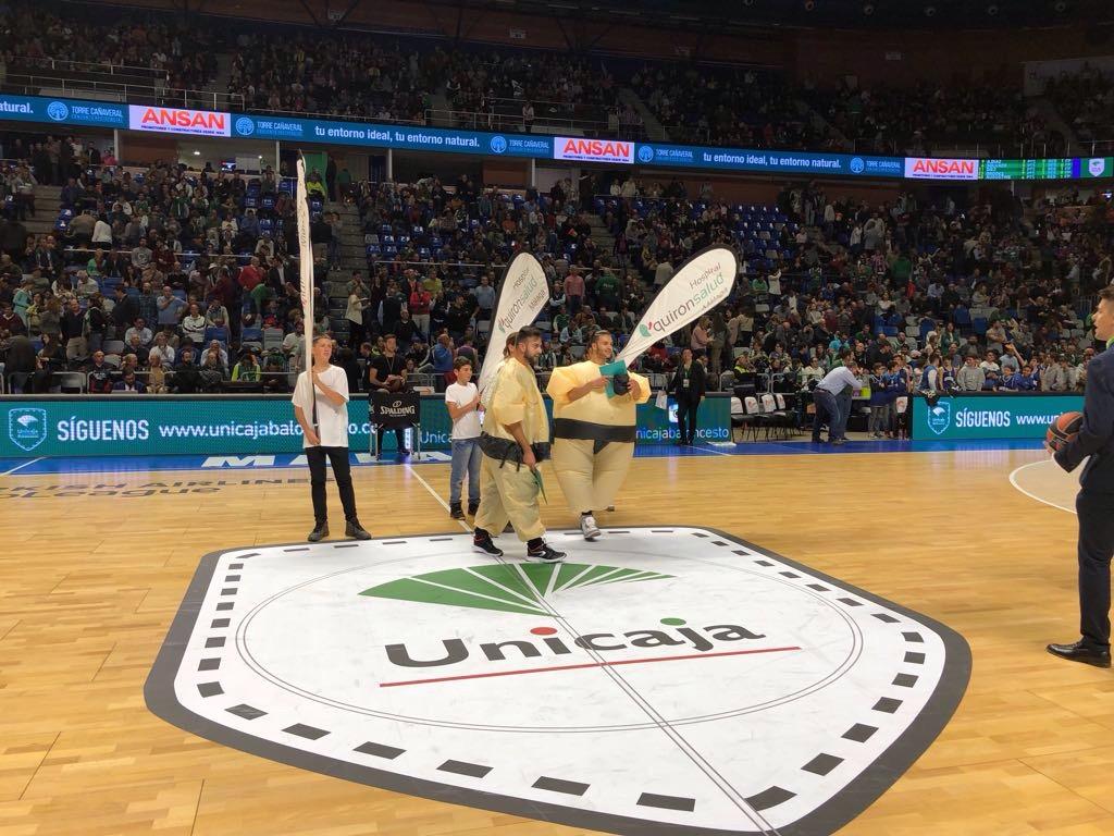 El unicaja baloncesto dedic uno de sus partidos al for Unicaja oficinas malaga
